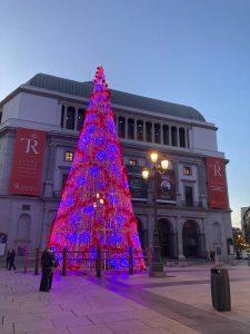 Arbol Navidad en Ópera Madrid